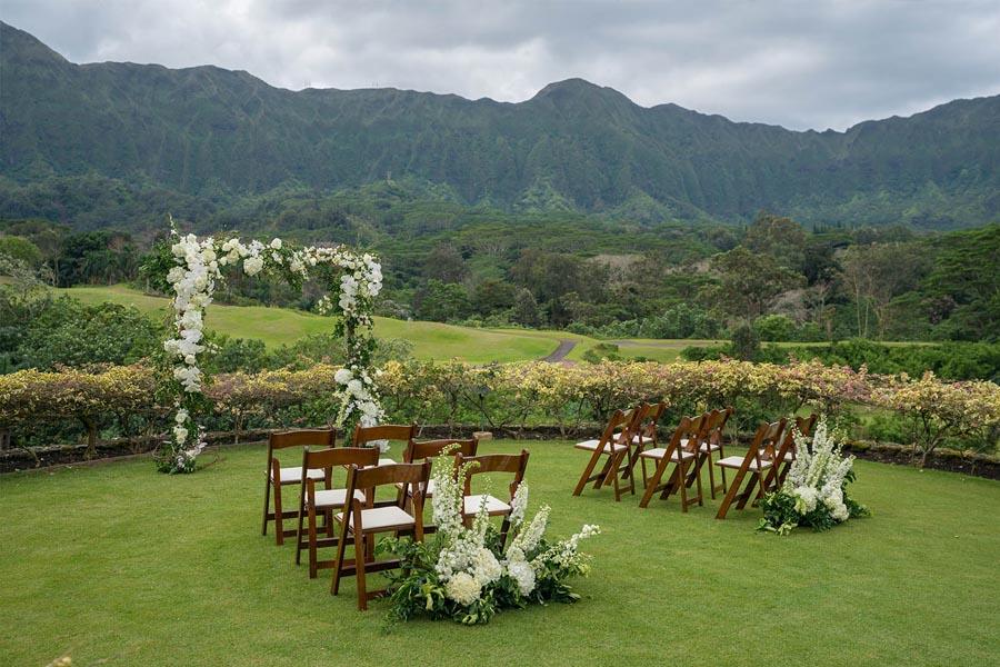 Beach Wedding Ceremony Oahu: ROYAL HAWAIIAN GOLF CLUB